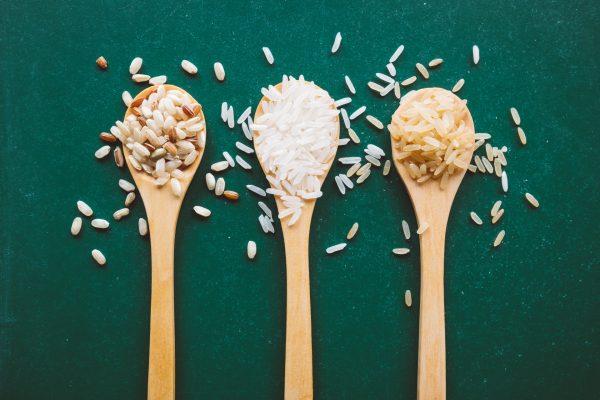 泡盛の原料はタイ米!焼酎との違いやタイ米が使われる理由まで紹介