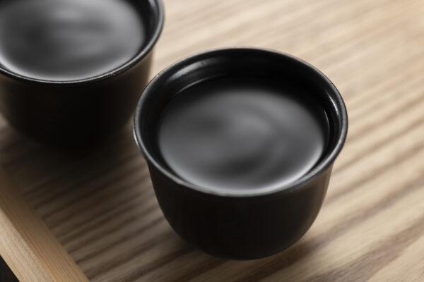 焼酎は「前割り」をすることでもっと飲みやすく!焼酎の「前割り」とは?